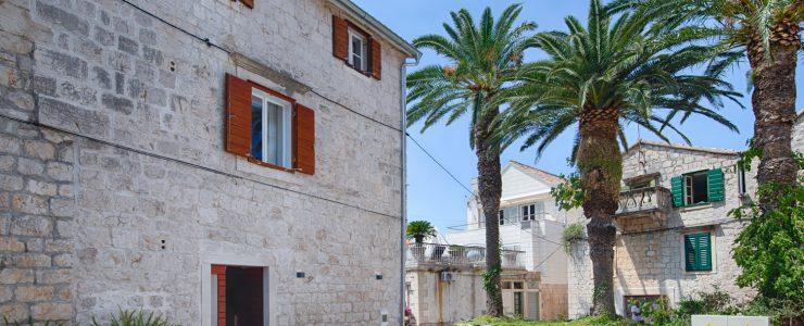 Palm Tree cottage